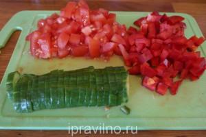 овощной салат с оливками