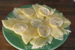 карпаччо из ананасов с медом и лимоном