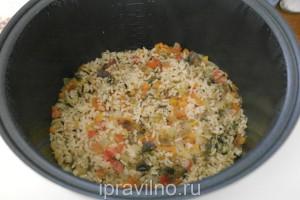 рис с овощным рагу в мультиварке