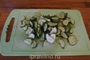 салат с мицуной, огурцами и редиской