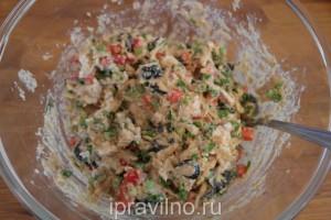 маффины с курицей, оливками и перцем на цельнозерновой муке