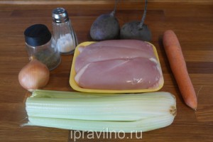 куриный суп со свеклой и сельдереем