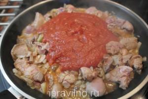 куриная печень в томатном соусе