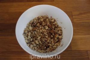 шницель из свинины с творогом и грецкими орехами