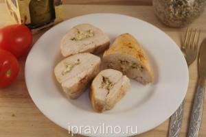 куриное филе с оливками и козьим сыром