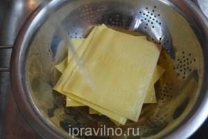 лазанья с соусом из сметаны и кефира