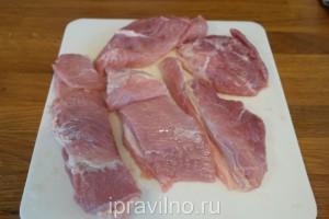 свинина на пару с паприкой и лимоном