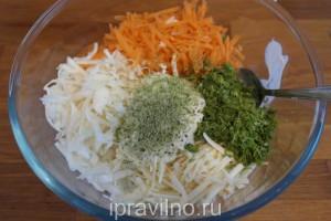 капустный салат с копченым сыром