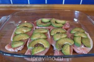 свинина с авокадо и сыром