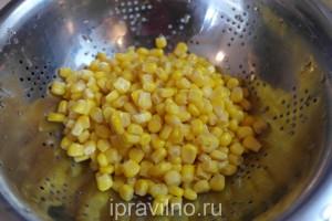 филе индейки  с кукурузой и сыром