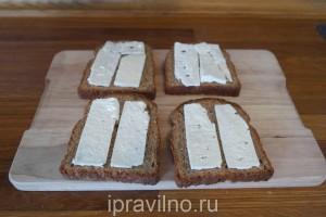 бутерброды со шпротами и сыром фета