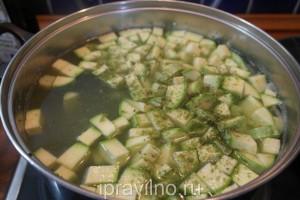 суп-пюе с кабачками и брокколи